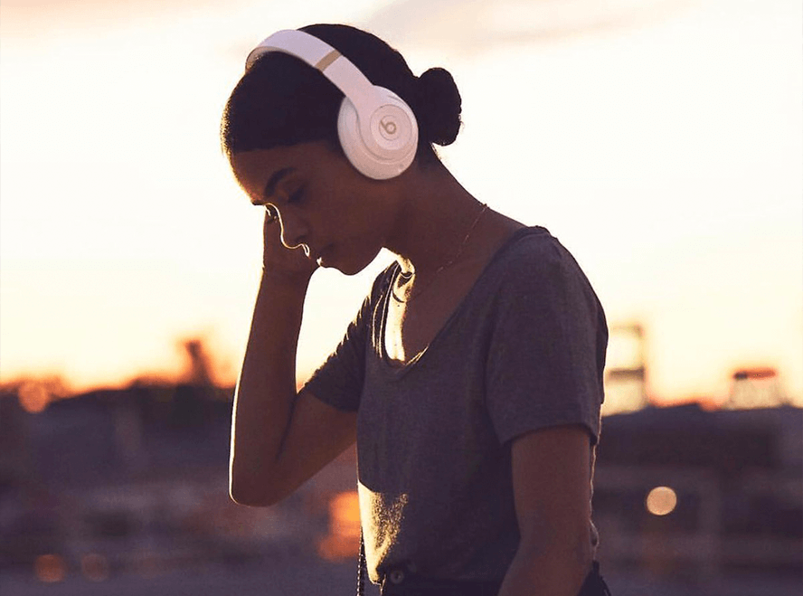 noise cancelling headphones when you need to focus