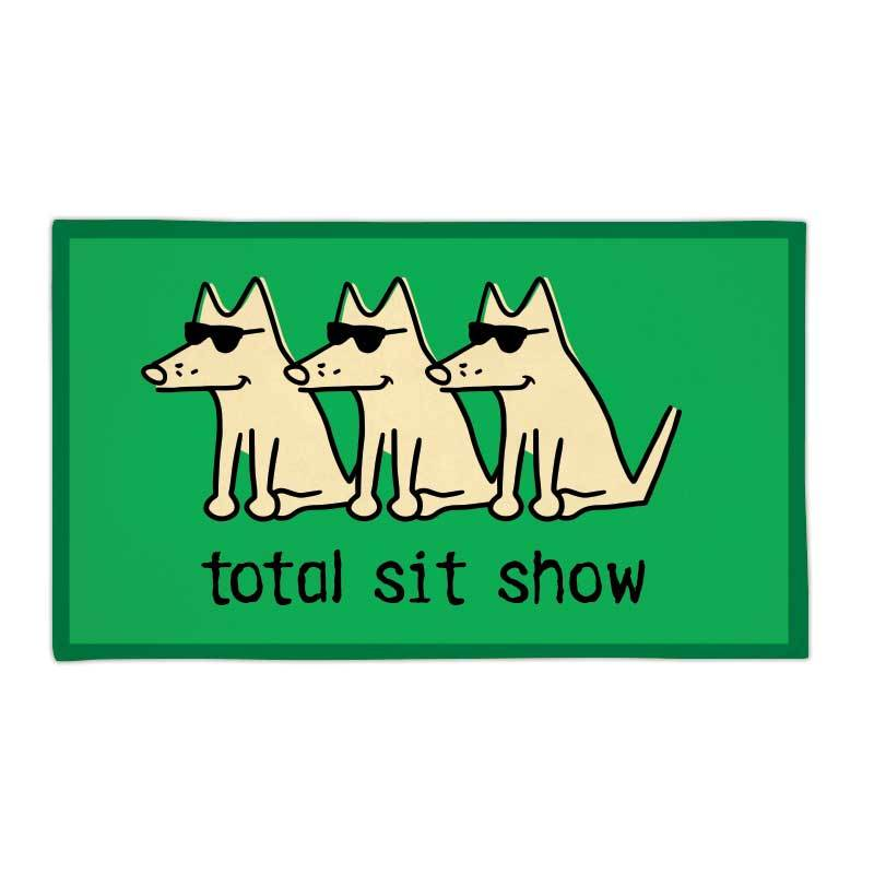 Total Sit Show Beach Towel
