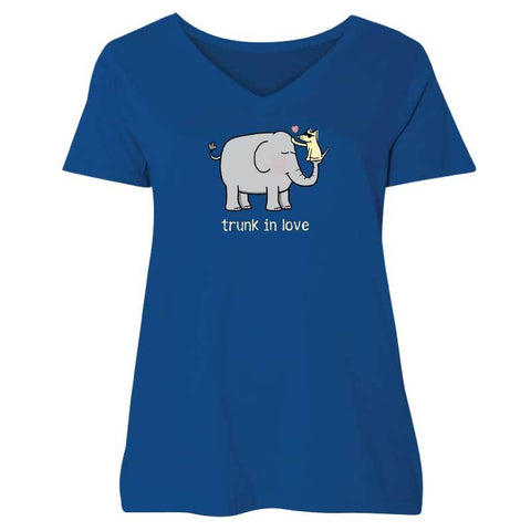 Trunk In Love - Ladies Curvy V-Neck Tee