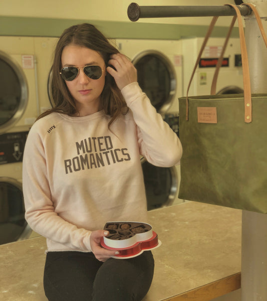 Muted Romantics Croptop Sweatshirt