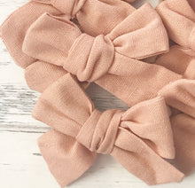 Linen Blend Peachy Handtied Pipsqueak Bow