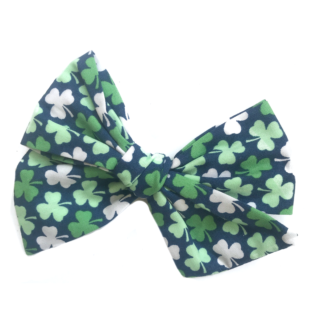 Hand-Tied Bow - Navy Shamrock