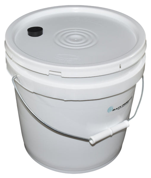 2 Gallon Chicken Watering Bucket & Lid w/ 4 Water Nipples