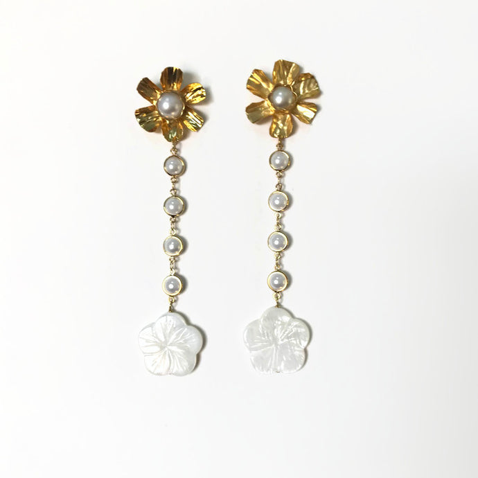 Flora Earrings - Pearl