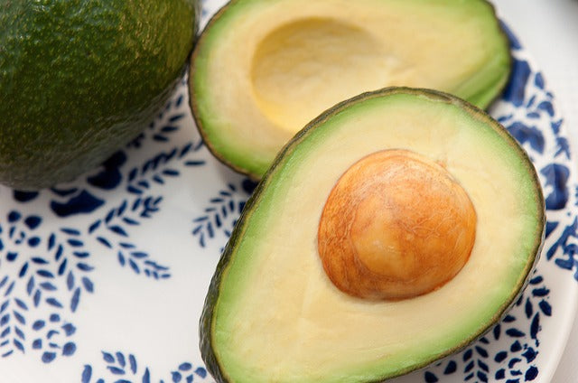 5 DIY Avocado Hair Masks for Common Hair Problems