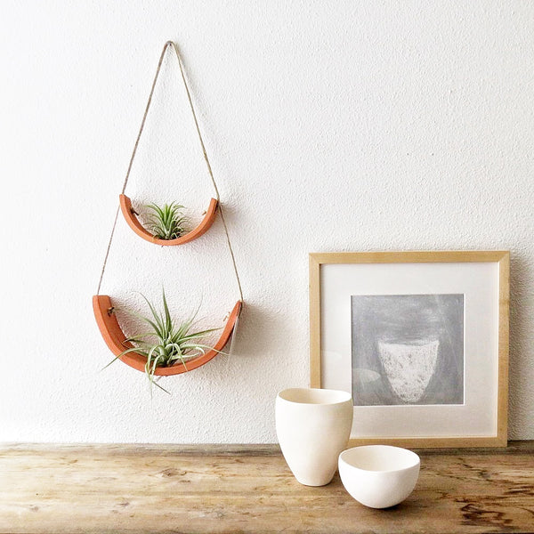 Mudpuppy Air Plant Hanging Planter- Terracotta Small