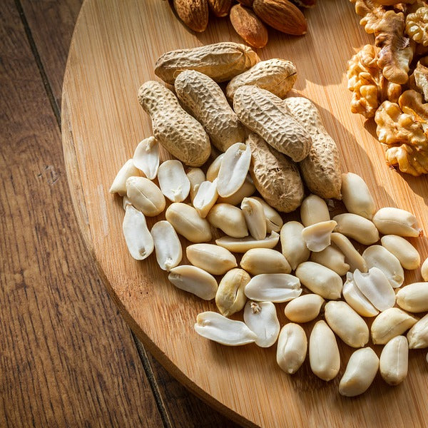 4 Healthy Food Staples, Including the Oats and Nuts in Nutrition Bars
