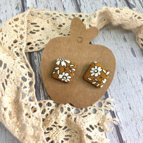 """Clementine"" Fabric Stud"