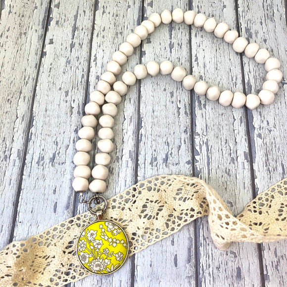 'Pebbles' White Necklace