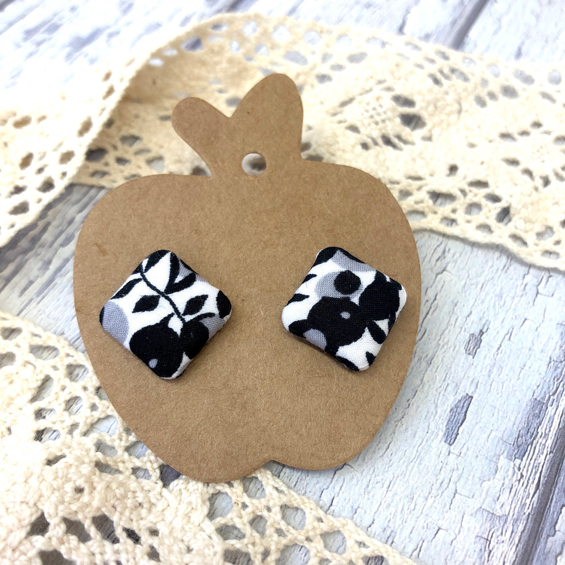 """Ebony"" Fabric Stud"