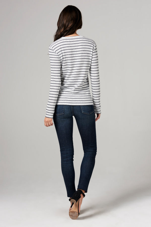 WOMEN'S STRIPE SWEATER PULLOVER - NAVY STRIPE