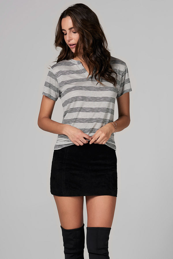 WOMEN'S CROSS V-NECK TEE - RETRO STRIPE
