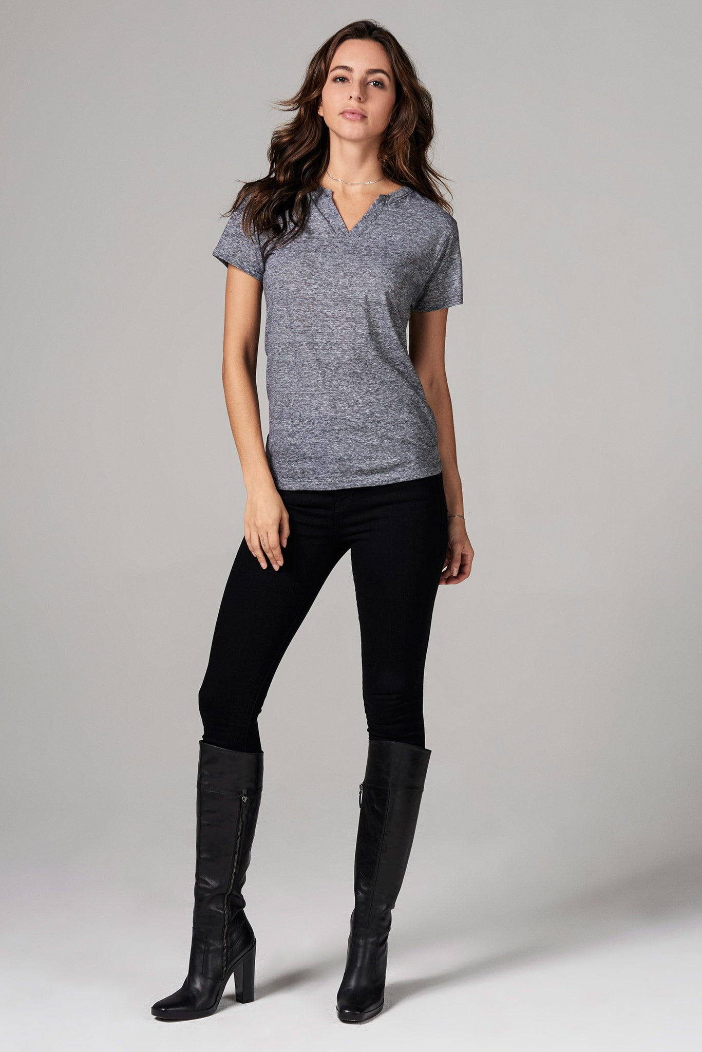 WOMEN'S CROSS V-NECK TEE - MINI STRIPE