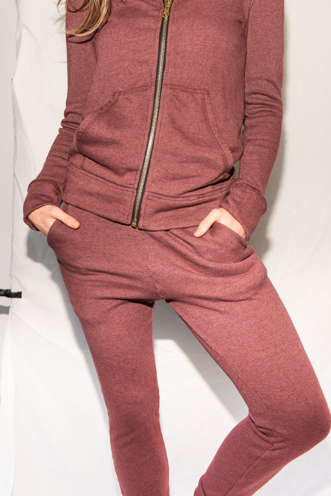 WOMEN'S BACK ZIP SWEATPANT - MAROON
