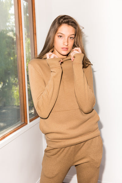 WOMEN'S FRENCH TERRY PULLOVER HOODIE - CAMEL