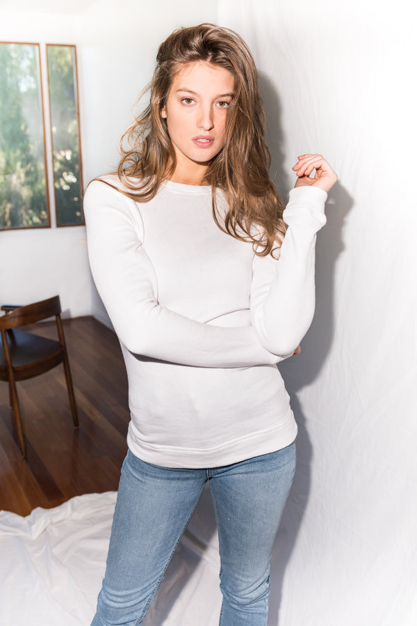WOMEN'S SLIM FIT PULLOVER SWEATSHIRT - WHITE