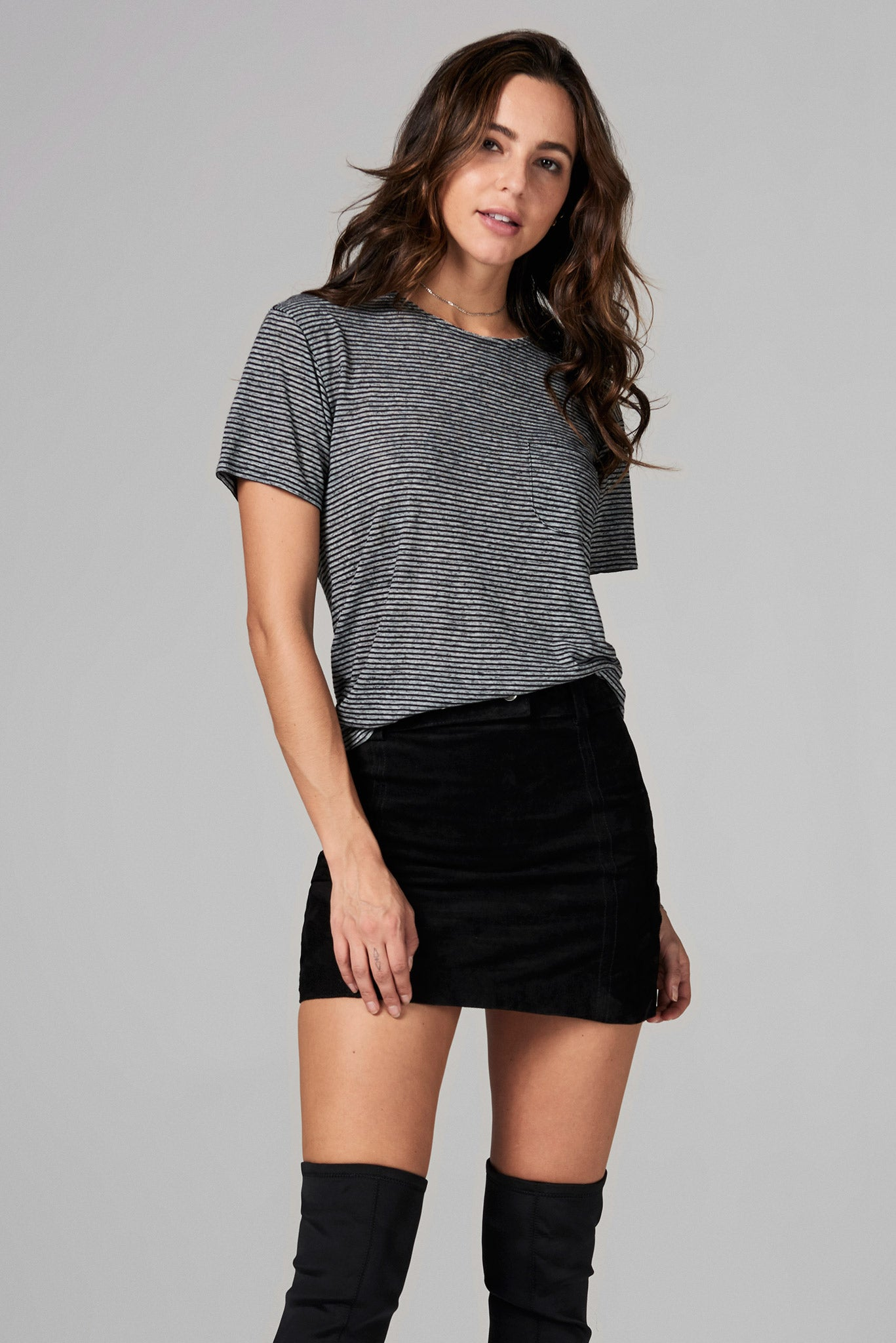 WOMEN'S POCKET SAILOR CREW NECK TEE - THIN STRIPE
