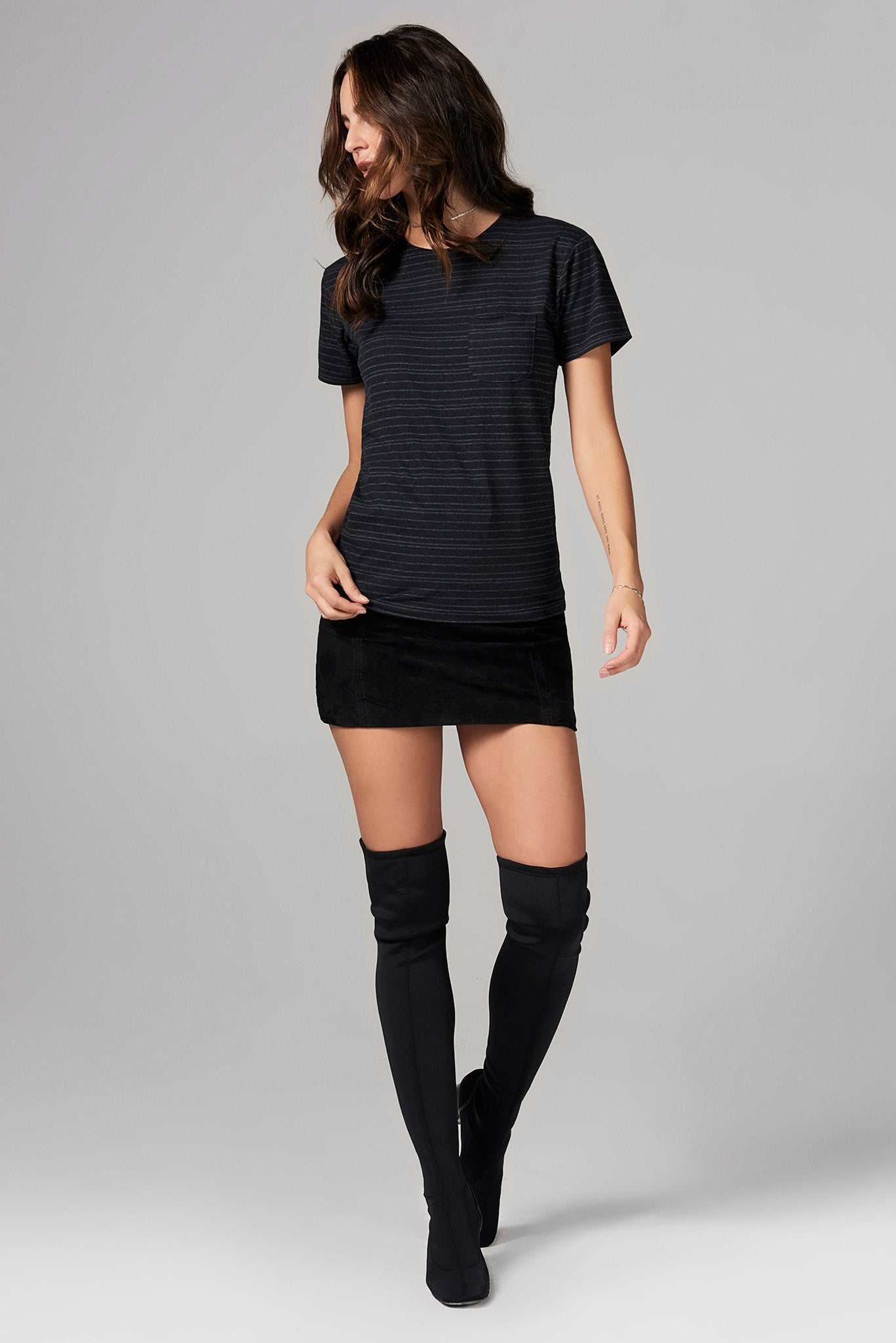 WOMEN'S POCKET SAILOR CREW NECK TEE - WAVY STRIPE
