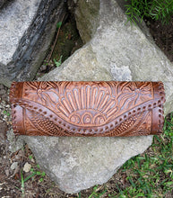 Load image into Gallery viewer, Embossed Leather Taco Clutch