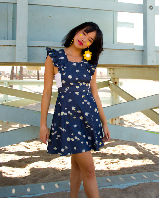 ★ COMING UP DAISIES PINAFORE ★