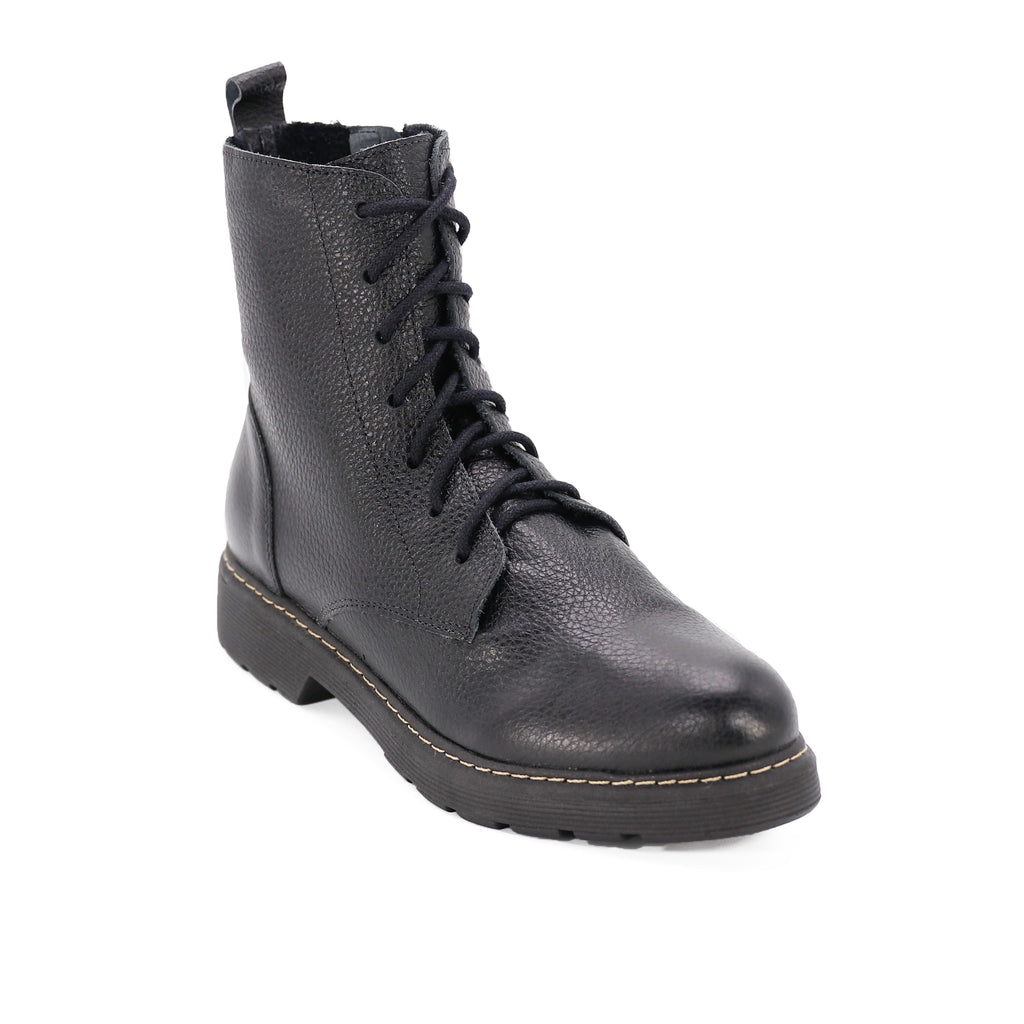 De Wulf Footwear, De wulf shoes, women shoes, women combat boots, women black combat boots, leather combat boots, women leather combat boots, leather boots, black leather boots for women, comfortable leather boots, black boots for women, boots with laces