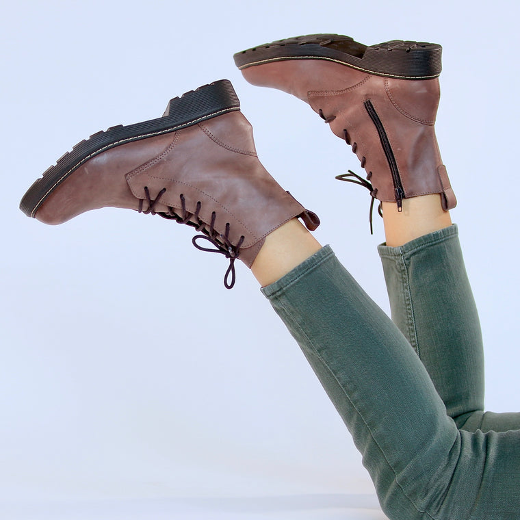 De Wulf Footwear, combat boots women, military boots women, brown boots women, ankle boots women, brown ankle boots women, comfortable boots women, leather boots women, brown leather boots women