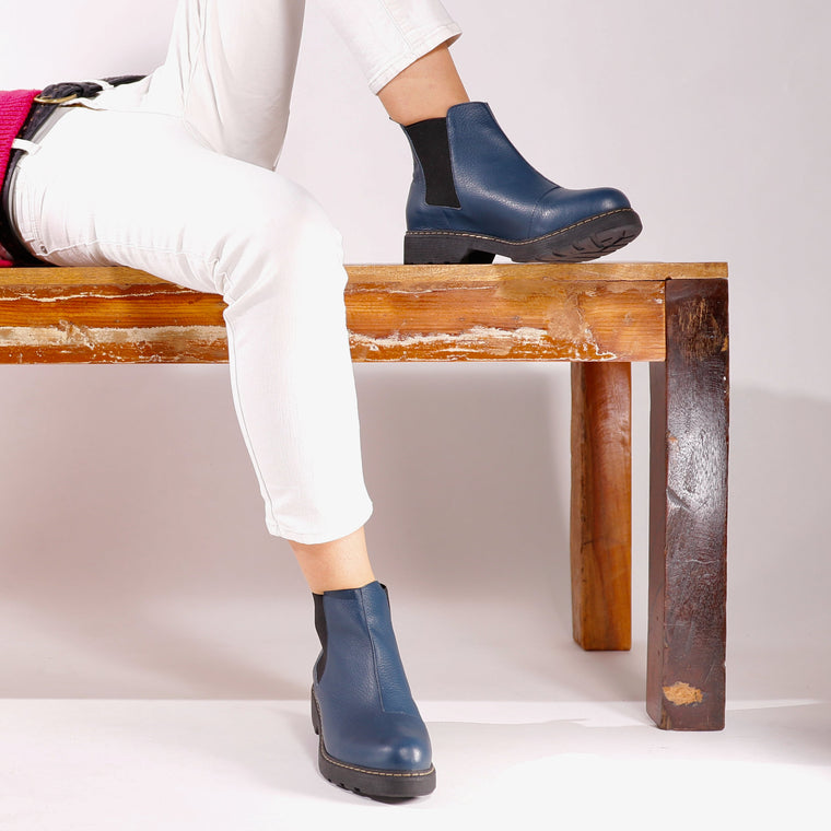 De Wulf Footwear, De wulf shoes, women shoes, women ankle boots, women ankle shoes, women blue shoes, women blue boots, women comfortable, trendy boots, leather shoes, leather boots