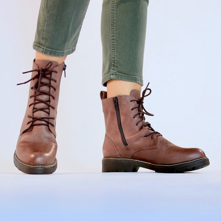 De wulf footwear, de wulf shoes, women boots, women brown boots, combat boots, women leather boots, comfortable boots