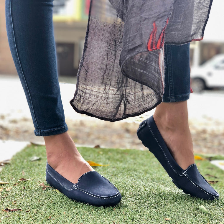 DE WULF Footwear, women loafers, women leather loafers, women moccasins, navy moccasins for women, navy loafers for women, comfortable women loafers, comfortable shoes for women