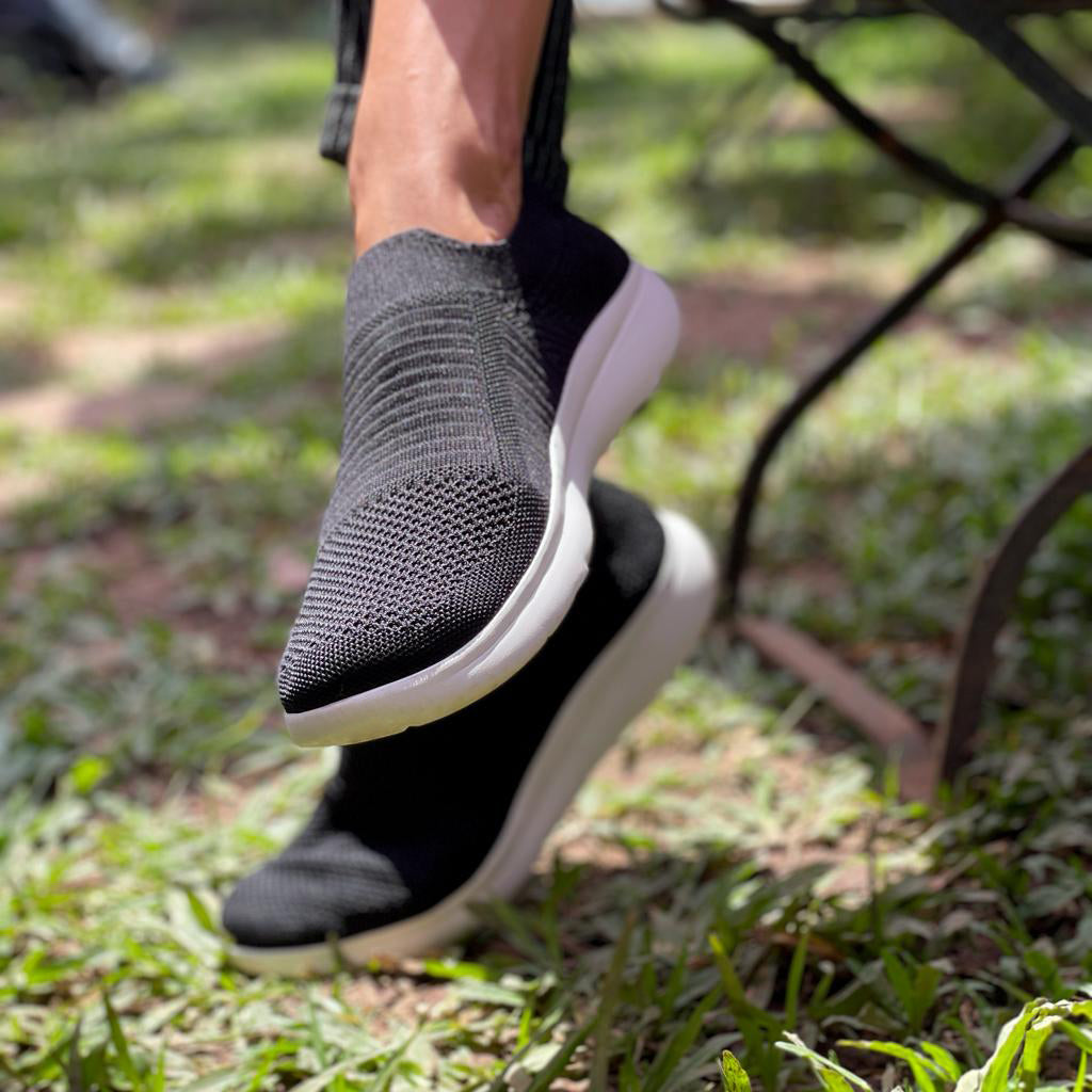 de wulf footwear, de wulf shoes, sustainaable shoes, sustainable footwear, vegan sneakers, vegan shoes, vegan tennis shoes, ecofriendly shoes, vegan black shoes, vegan black sneakers, vegan shoes for women, women shoes, women black sneakers