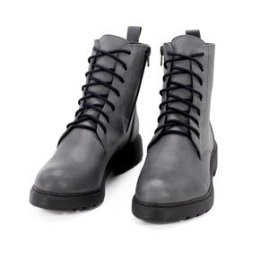 De Wulf Footwear, women shoes, women grey shoes, women ankle boots, women leather boots, leather ankle boots, fashionable boots, trendy boots, comfortable boots, comfortable shoes, grey combat boots, women combat boots