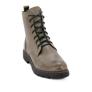 De Wulf Footwear, women shoes, women green shoes, women ankle boots, women leather boots, leather ankle boots, fashionable boots, trendy boots, comfortable boots, comfortable shoes, green combat boots, women combat boots