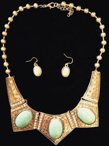 (CSN1200) Western Turquoise & Dimpled Silver Necklace with Matching Earrings