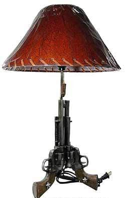 (RWRA3097) Western Triple Gun Table Lamp with Shade