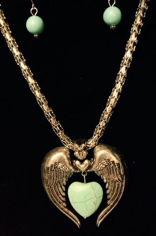 (RWSA12374) Western Turquoise Heart Stone in Wings Necklace with Earrings