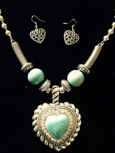 (RWSA12529) Western Silver & Turquoise Heart Necklace with Heart Earrings