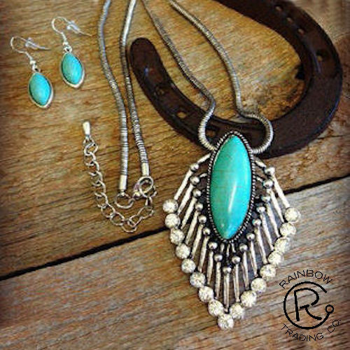 (RWSA12535) Western Silver & Turquoise Necklace and Matching Earrings