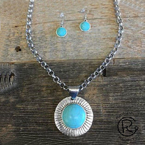(RWSA12540) Western Turquoise Pendant Necklace and Matching Earrings