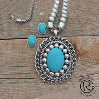 (RWSA12543) Western Oval Turquoise Necklace and Matching Earrings