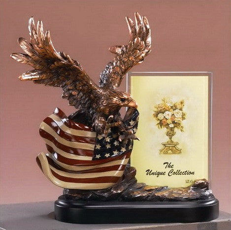 (TN51149) Patriotic Flying Eagle Sculpture/Picture Frame