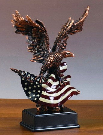 (TN51156) Western Patriotic Eagle Small Sculpture with American Flag