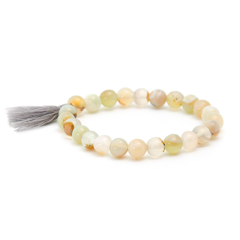 White Quartz with Grey Tassel - Pearl in Oyster - Souk Madinat Jumeirah, Dubai