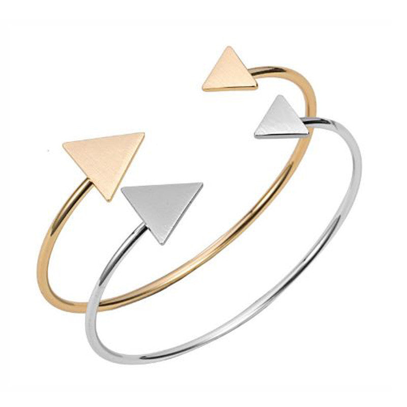 Set of Two Adjustable Scratch Triangle Bangles - Pearl in Oyster - Souk Madinat Jumeirah, Dubai