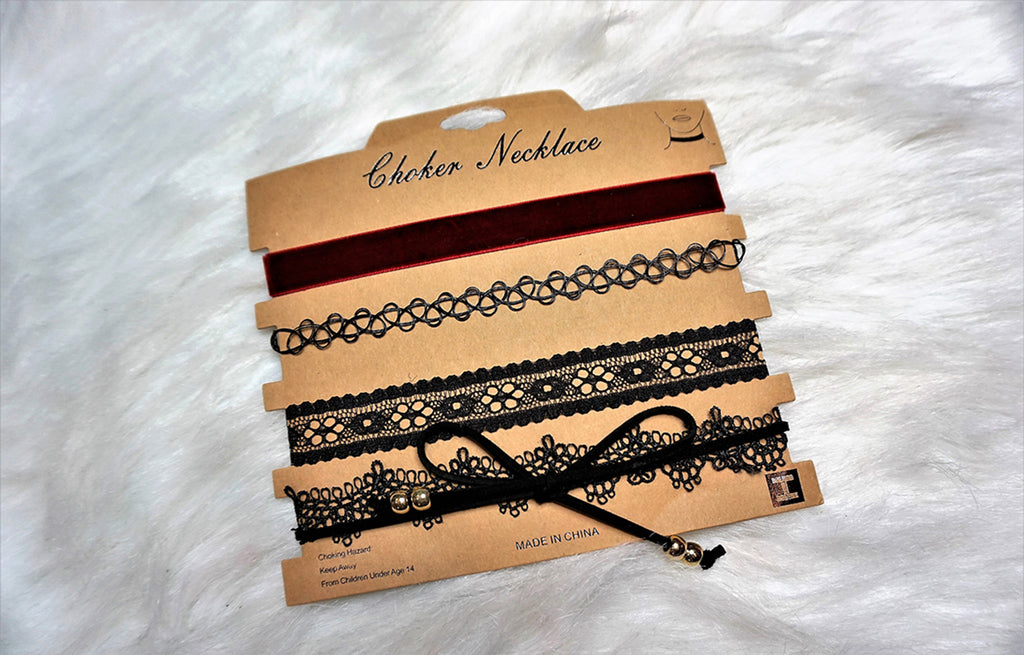 Lovely Laced Choker Set