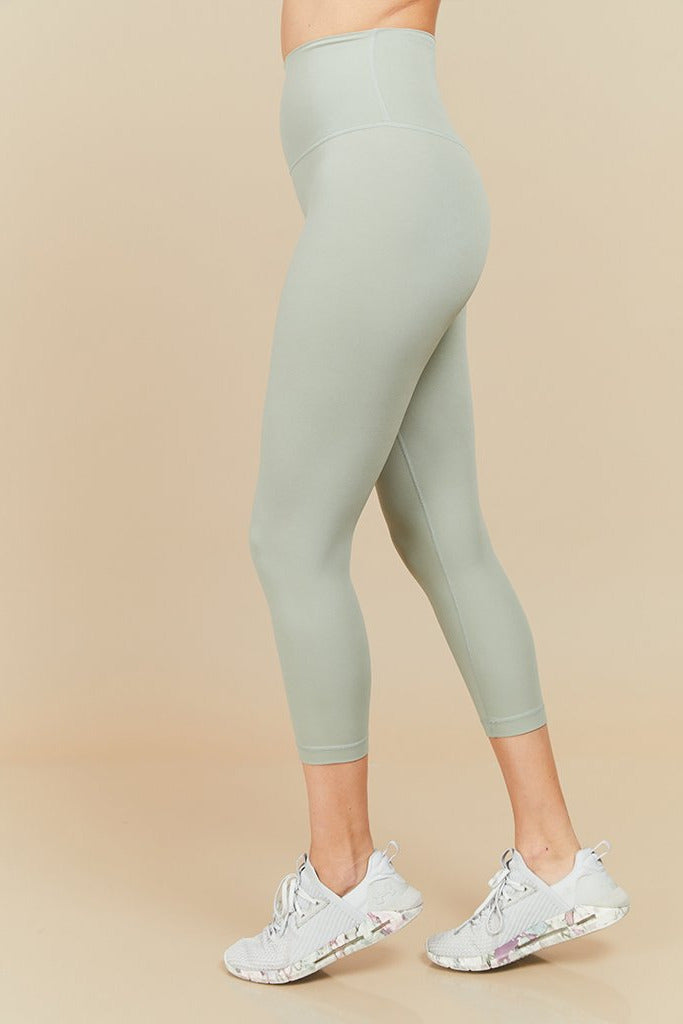 Active sahara capri seamless in light green (with Pocket)