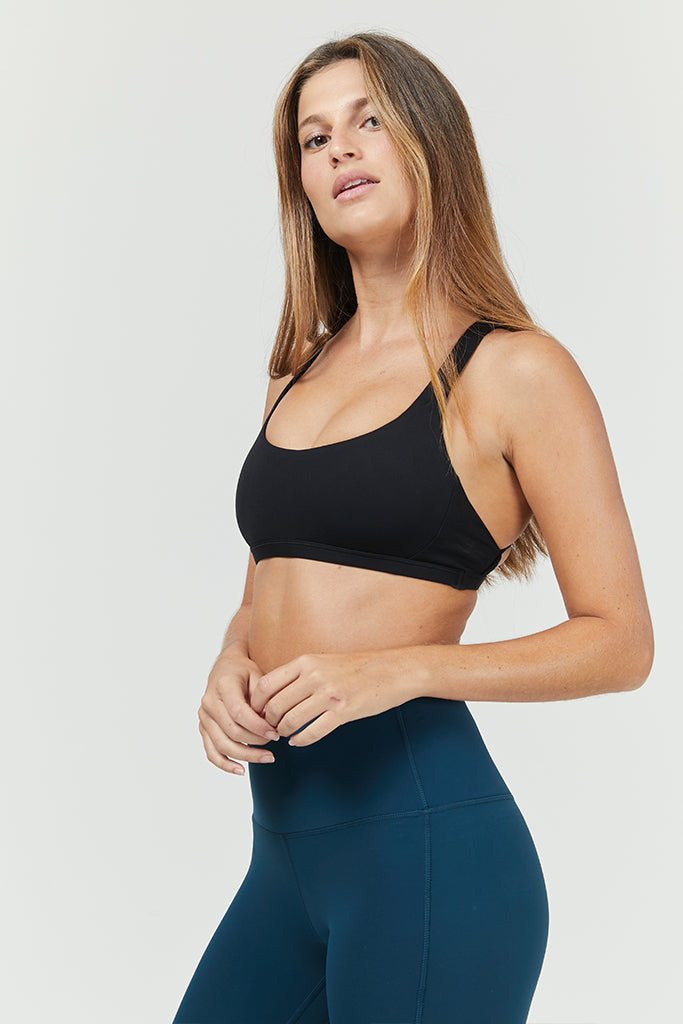 Active strings bra in black