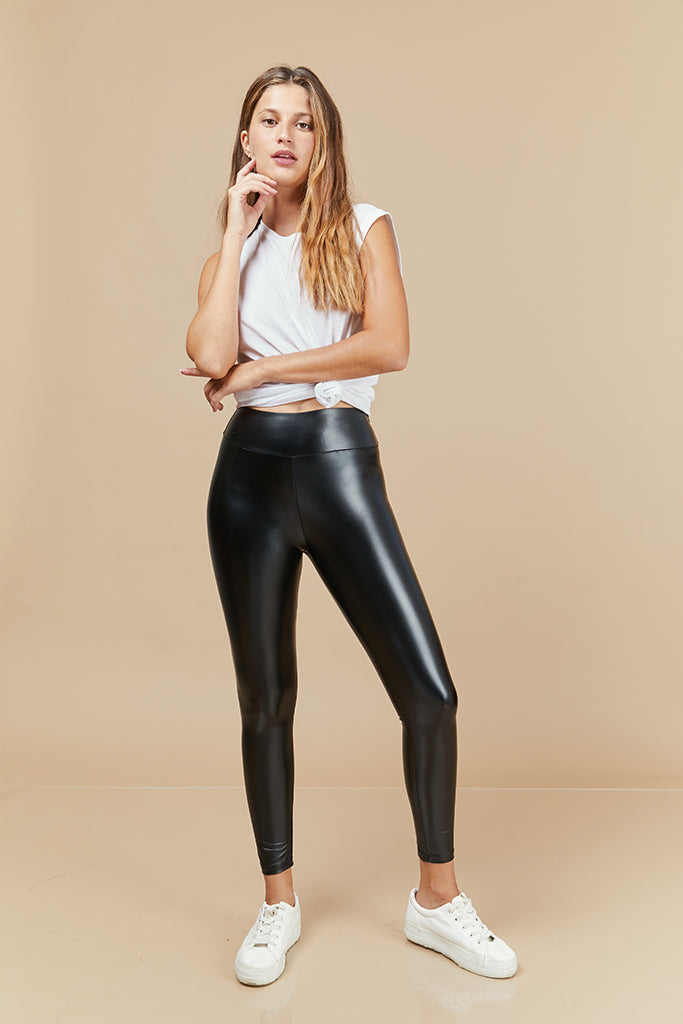 classic leather Looks in black - high waist
