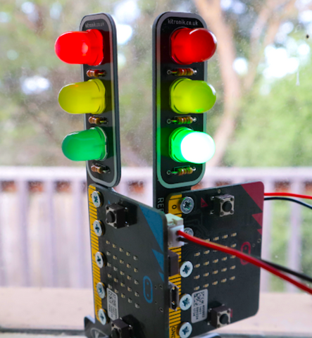 Program micro:bit traffic light sequences in Python with these STOP:bit tutorials