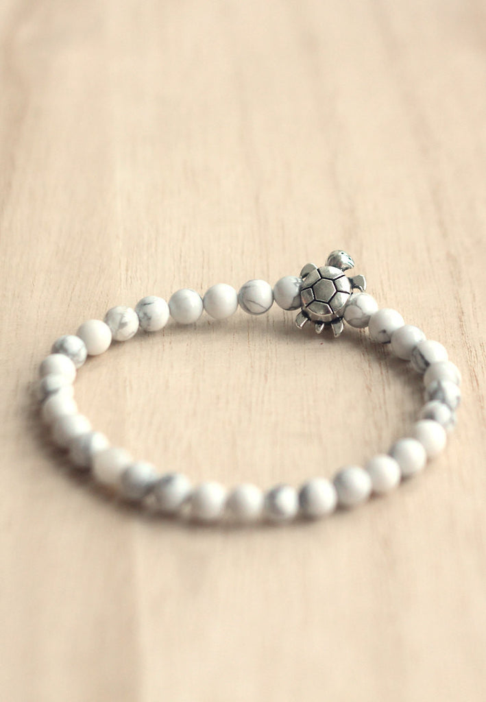Howlite turtle bracelet for men
