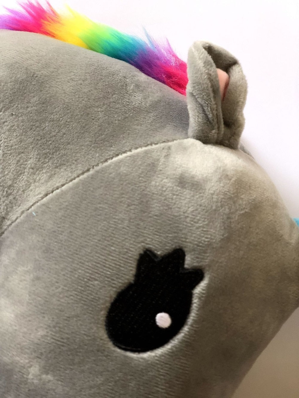 women Great for purses backpacks and more children Unicorn rainbow fur seatbelt cover shoulder pad